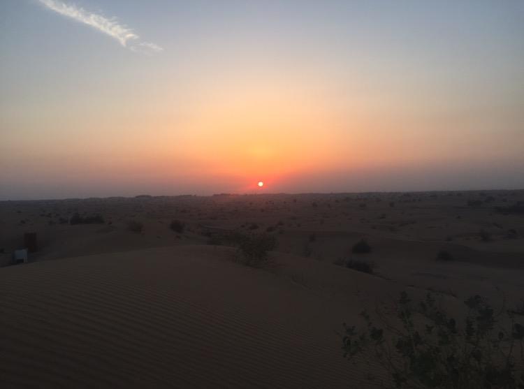 ドバイ 旅行記 砂漠 夕日