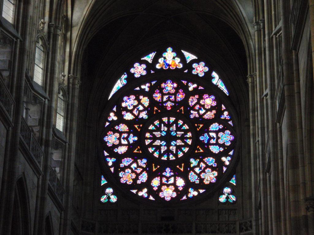 聖ヴィート大聖堂 バラ窓 ステンドグラス